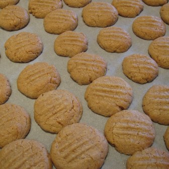 Nybagte peanutbutter cookies
