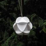 Guide en hjemmelavet papir bold