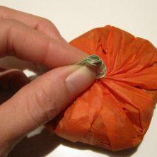 Hjemmelavede slikpakker som halloween græskar - trin 6