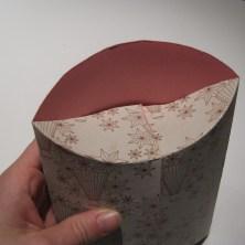 Sådan folder man en gaveæske - lukning af æsken