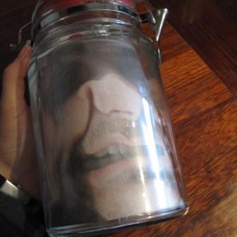 DIY halloween pynt - hovedet i sylteglas