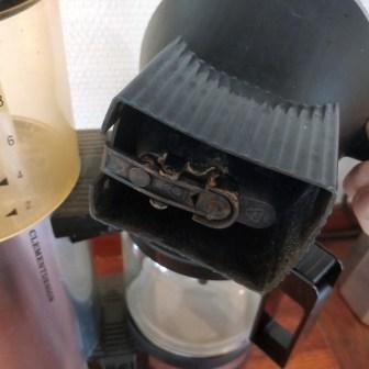 Brug din normale kaffemaskine til at filtrere koldbrygget kaffe