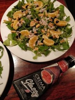Spansk / italiensk inspireret tallerken med frugt salat og lufttøret skinke