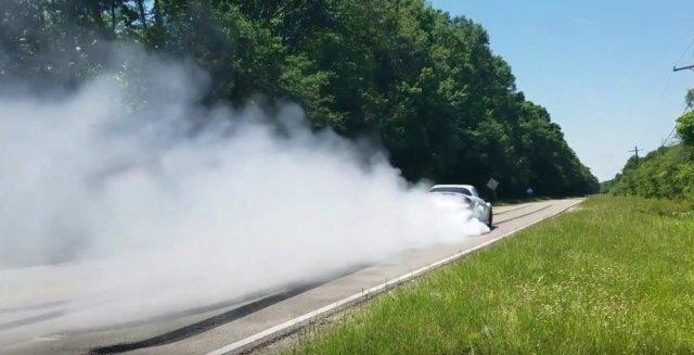 Roilling Burnout LS2 Mazda