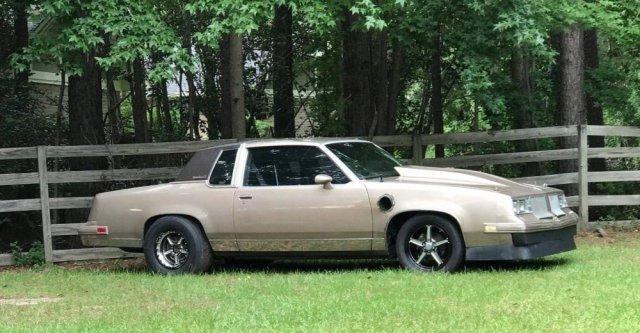 Turbo LS Oldsmobile Cutlass Passenger Front Corner