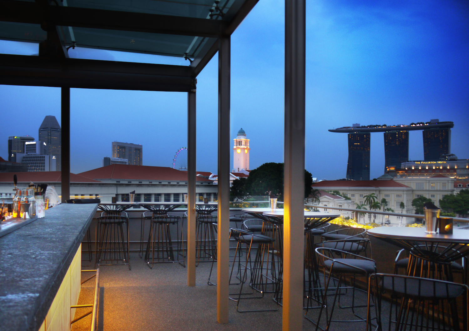 3 Rooftop Bars In Singapore For After Work Drinks