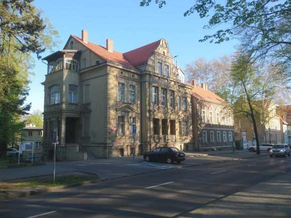 Państwowa Szkoła Muzyczna I i II stopnia w Zielonej Górze. Budynek przy ul. Chrobrego. Lech Borkowski