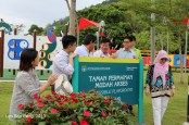 OpeningCeremony YouthPark 188-001