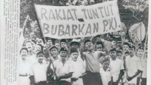 - G30S PKI Angkatan 66 Demo Tuntut Bubarkan PKI di Jakarta detak berita 600x338 - NU Melawan Upaya Mem-PKI-kan Indonesia dan Sekaligus Menumbangkan PKI