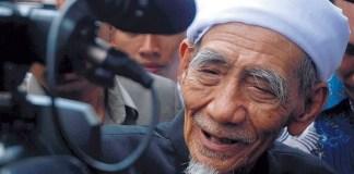Doa Mbah Moen Meninggal di Makkah pada Hari Selasa Terkabul