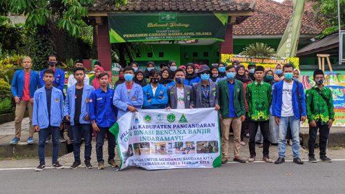 Milenial Kabupaten Pangandaran Terjun ke Jalan Galang Donasi untuk Korban Banjir di Indramayu