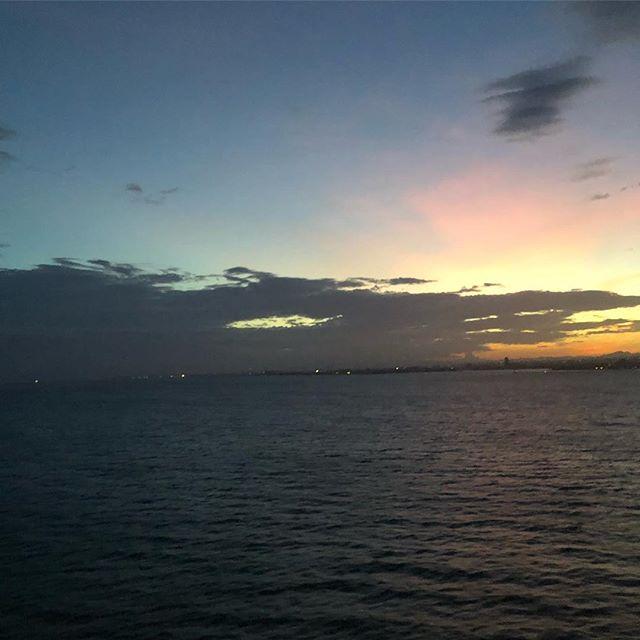 関空・大阪湾の夜明け