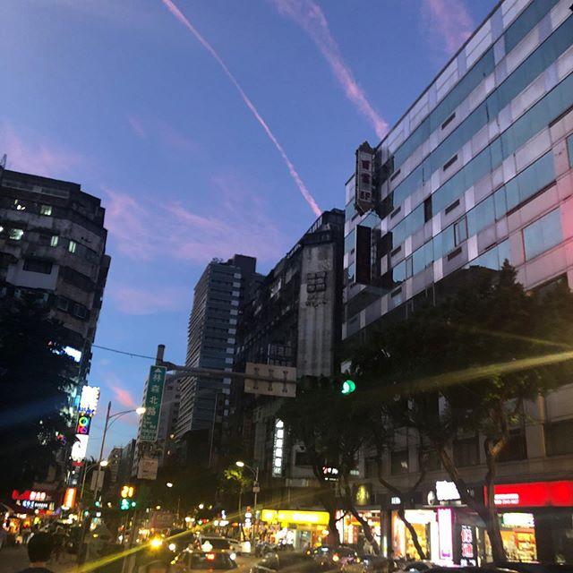台北・夕暮れ時の景色