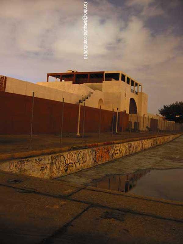 Pool Whitening, 2003