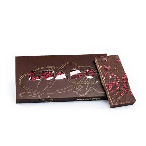 Ciocolată neagră 54% cu zmeură liofilizată