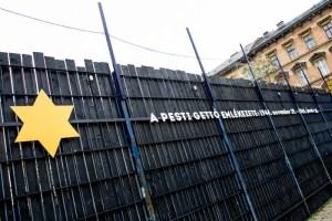 Az emlékezés sétája az egykori budapesti gettóban