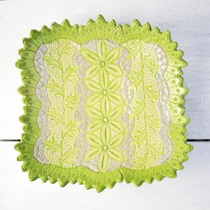 modern_lace_platter_2_1024x1024