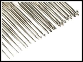 agulha de croche alumínio 1 300x223 - TAPETES DE BARBANTE PARA INICIANTES: COMO FAZER O BÁSICO PASSO A PASSO