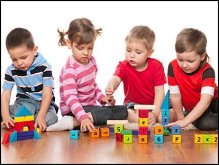 crianças brincando 3 - COMO ESCOLHER O BRINQUEDO PARA O DIA DAS CRIANÇAS
