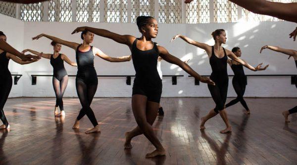 jazz 3 e1613423778553 - JAZZ DANCE: BENEFÍCIOS PARA O CORPO, HISTÓRIA E SUAS VERTENTES