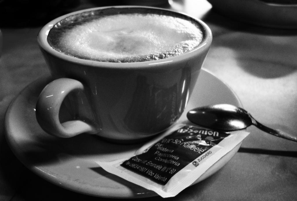 các nhân tố ảnh hưởng đến hành vi người tiêu dùng cà phê