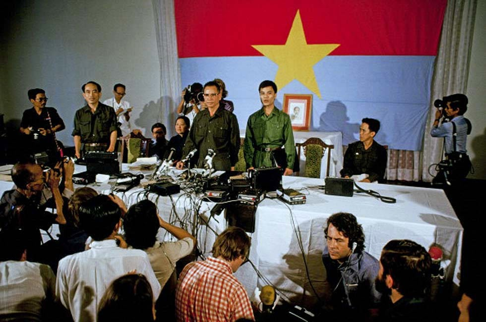 https://i2.wp.com/luatkhoa.org/wp-content/uploads/2017/04/The-Fall-of-Saigon-1975-29.jpg