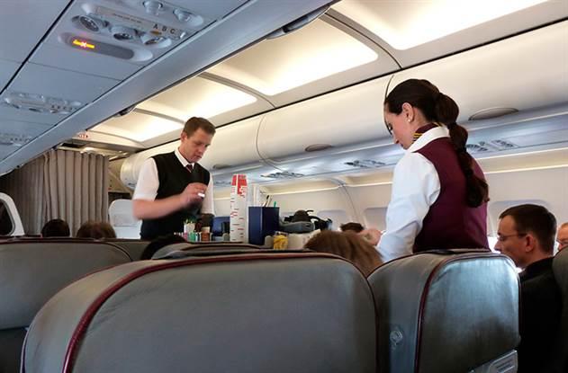 10 причин не есть на борту самолета