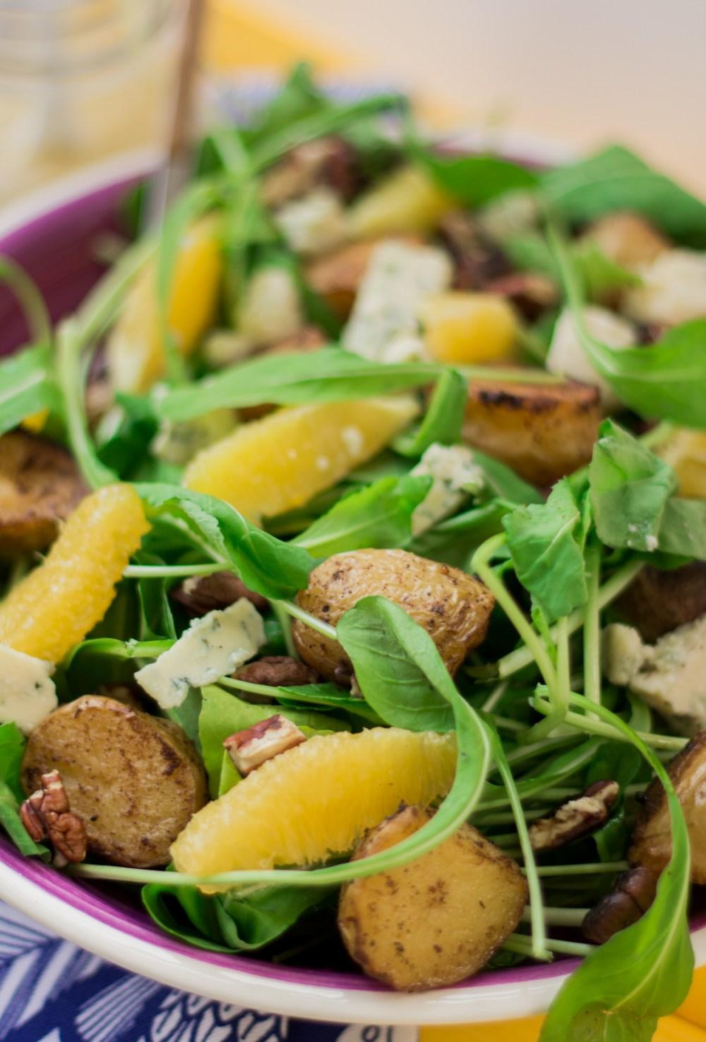 Salada de rúcula com batata e laranja