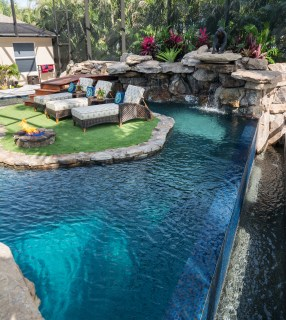 Lucas Lagoons Custom pool on Pine Island infinity edge