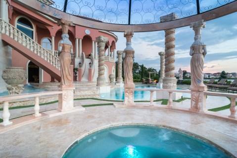 Roman-Swimming-Pool-Statues-Port-Ritchey-web-4058