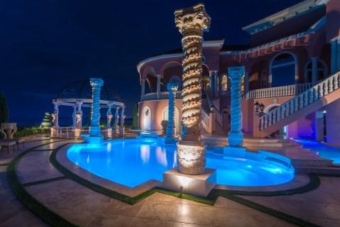 Roman-Swimming-Pool-Statues-Port-Ritchey-web-4201