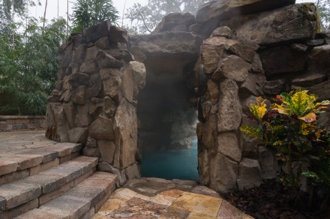 Jacksonville-custom-pool-grotto-lagoon-8051