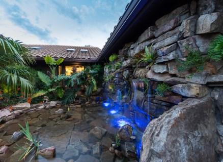 natural-rock-waterfall-pool-siesta-stone-water-wall
