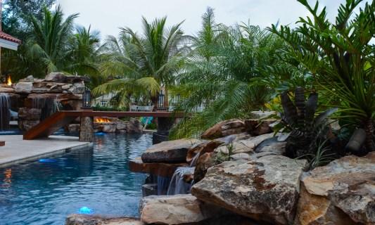 Backyard-custom-pool-resort-wellington-florida--4
