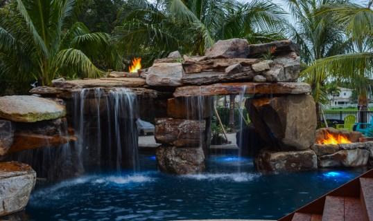 Backyard-custom-pool-resort-wellington-florida--5