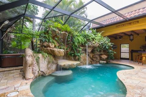 In pool seating Siesta Key lagoon pool