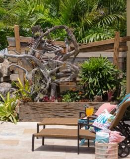 Driftwood-planter-custom-lanscaping-Swimming-Pool-Nokomis-5100