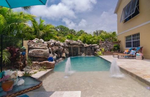 Sun-Shelf-Umbrella-Designer-Swimming-Pool-Builder-Nokomis-4962