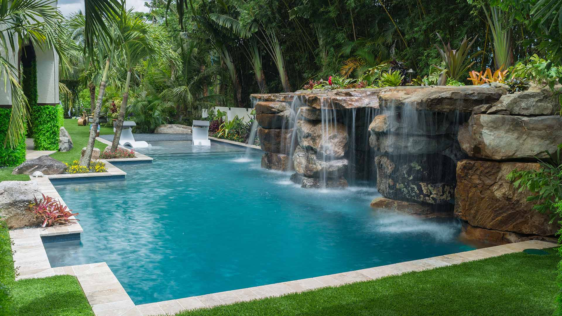 largo swimming pool contractor lucas