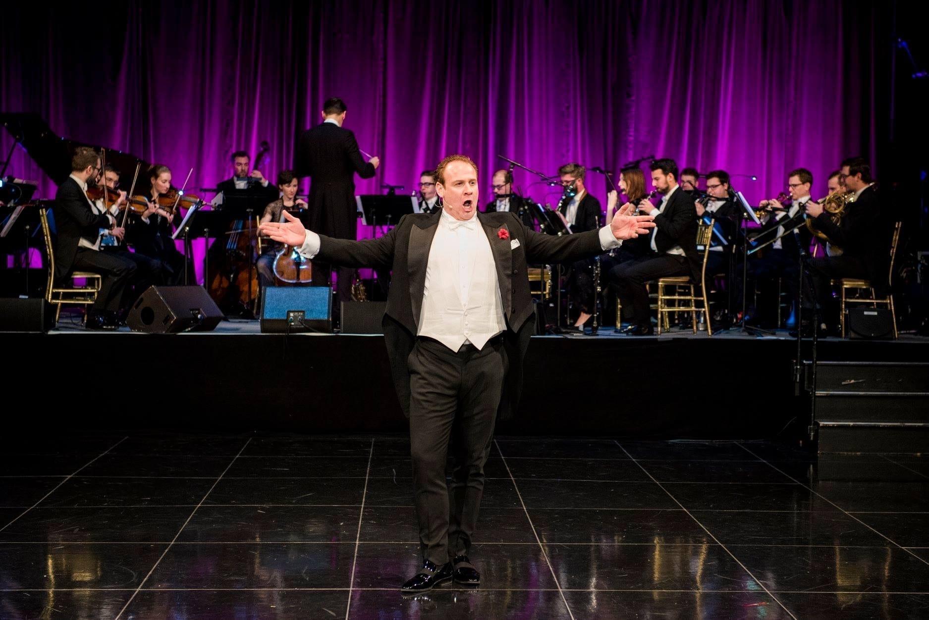 Lucas Meachem in performance