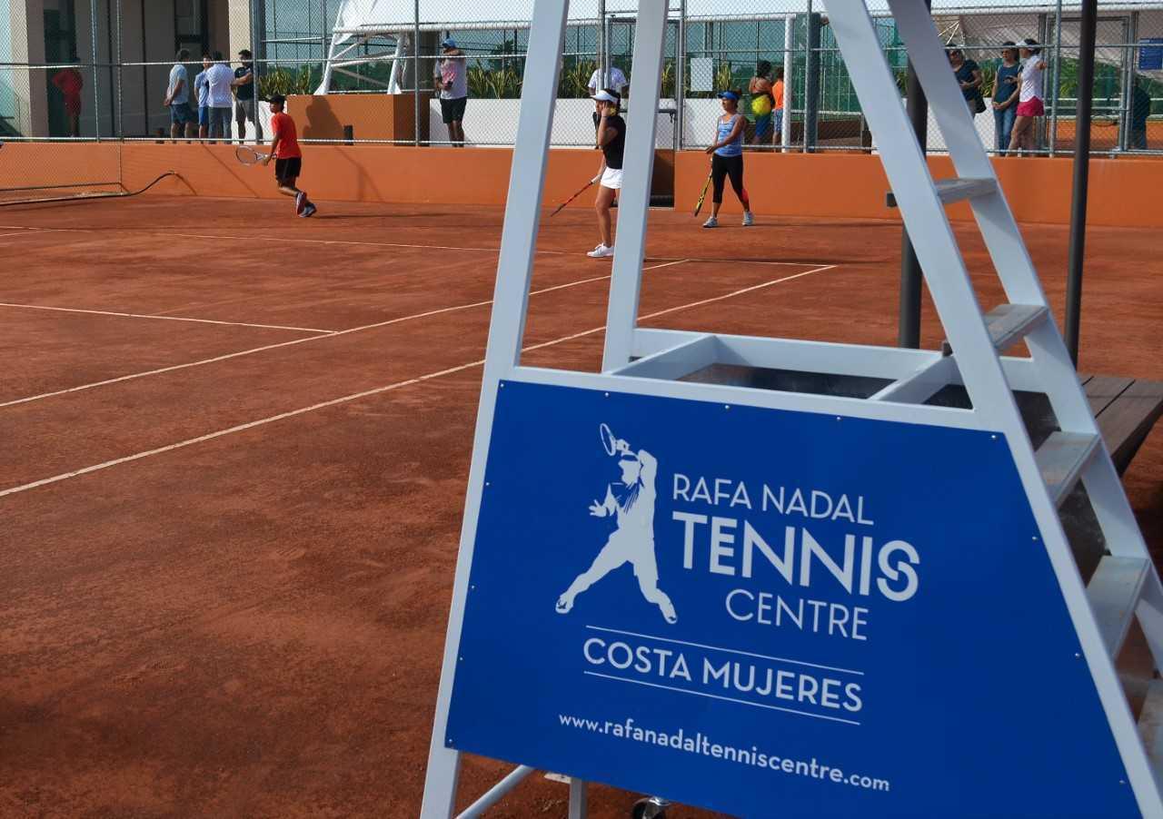 Rafael Nadal inauguró una academia de tenis en Cancún