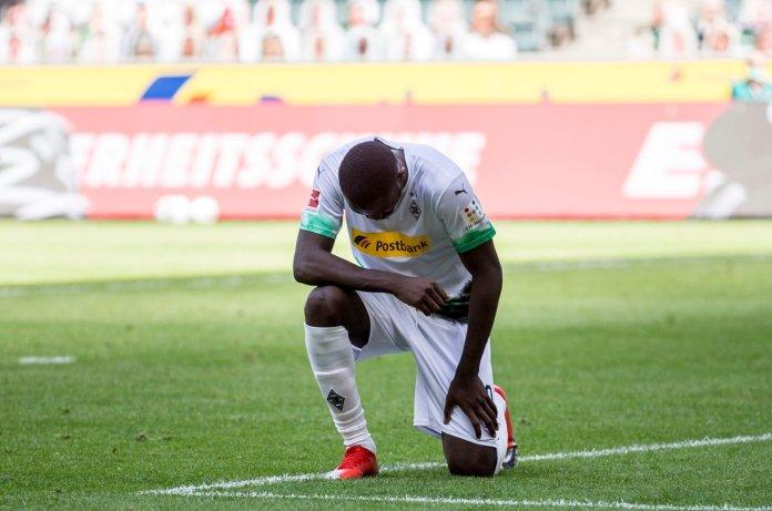 Protestan deportistas contra el racismo