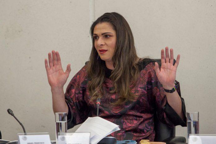 Denuncian a Ana Guevara por intento de homicidio