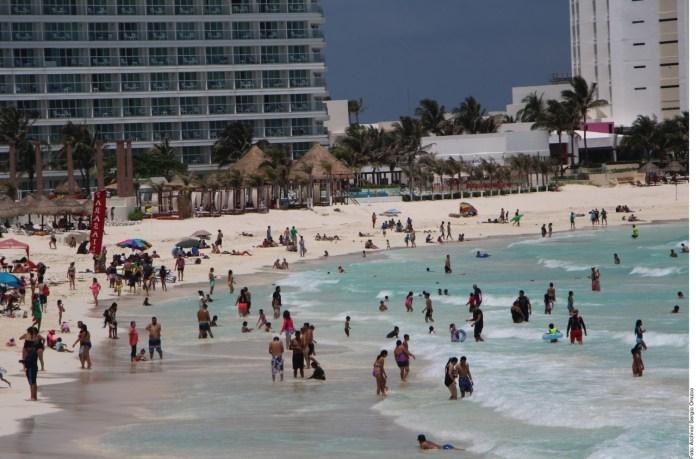 Se reactivan hoteleros para recibir turistas nacionales y extranjeros