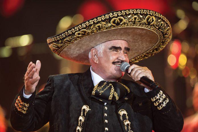 Alejandro estrena dueto con Chente, para día del padre