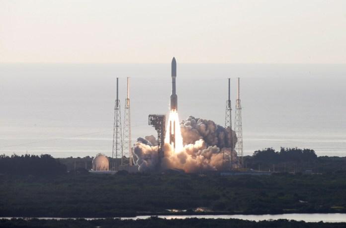 Comienza misión de la NASA para buscar vida en Marte