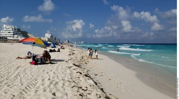 Las playas públicas no serán reabiertas en Quintana Roo