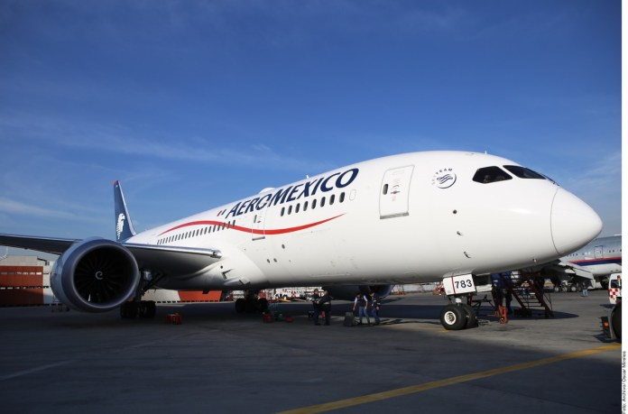 Urge a Aeroméxico pago de 33.7 millones de dólares