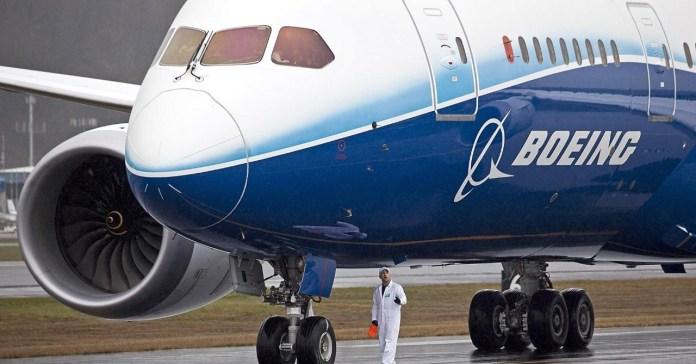 Planea Boeing más recortes de personal por pandemia