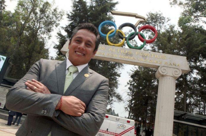 Quiere Fernando Platas dirigir la natación en México